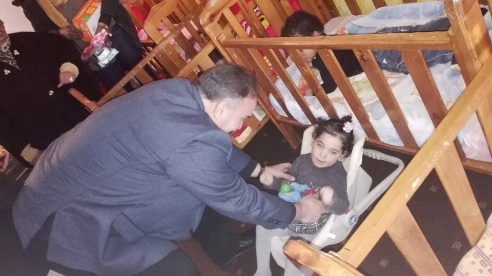 موظفي الهيئة في زيارة لدار رعاية الطفل