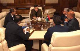 رئيس المجلس الرئاسي يبحث ملفات الامن والخدمات مع وزراء الصحة والتعليم والمواصلات والداخلية والعدل