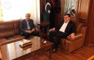 رئيس المجلس الرئاسي يجتمع مع محافظ مصرف ليبيا المركزي