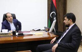 النائب أحمد معيتيق يلتقي وزير المالية