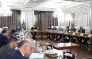حكومة الوفاق تبحث احتياجات النازحين من مواقع المعارك