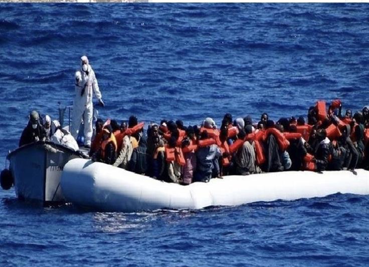 إنقاذ 147 مهاجراً غير شرعي قبالة مدينة الخمس