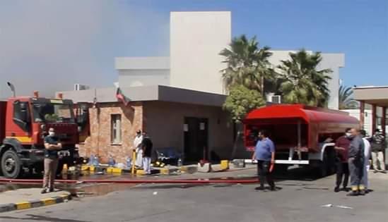 الوطنية للنفط: تشكيل لجنة للتحقيق في حريق مصحة النفط في طرابلس