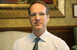 السفير البريطاني نتشارك القلق بشأن الوضع الانساني طرابلس