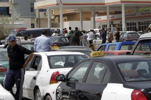 معدلات التزود بالوقود في العاصمة تعود تدريجيا إلى طبيعتها