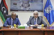 وزير الداخلية يجتمع بوزير العمل والتأهيل