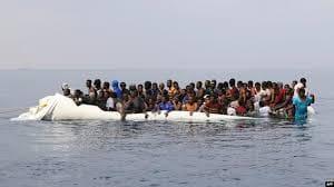 زورق اوباري ينقذ 89 مهاجر غير شرعي