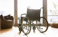 ما لا يحدث في ليبيا عمدة يدعي الإعاقة لاختبار موظفيه