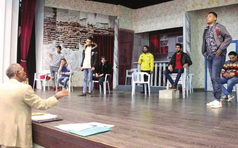 دورة في فن الإلقاء بالمسرح الشعبي ببنغازي