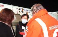 لمكافحة كورونا.. فريق طبي صيني يصل إيطاليا